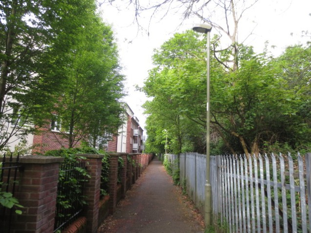 Old Headington Conservation Area - ugly steel fencing and ordinary lamp-posts
